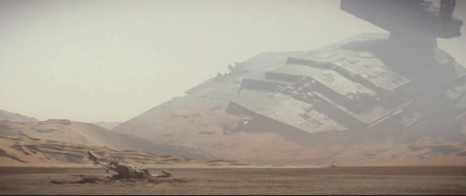 The Force Awakens: Jakku Battle Remnants